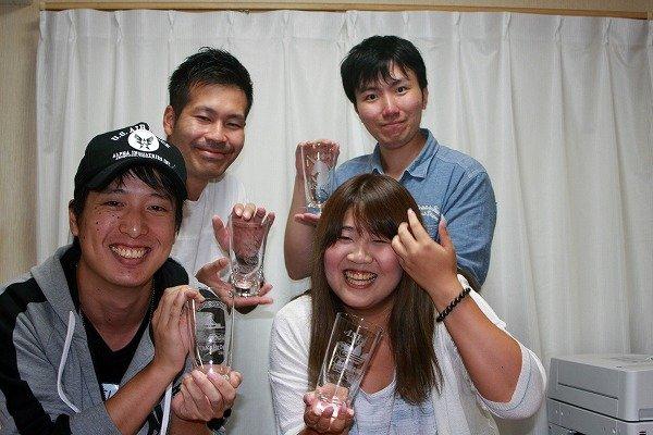 画像1: 大阪から友達との旅行の思い出作りで彫刻体験に来て戴けました。